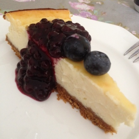 Greek Yoghurt Cheesecake with Blueberry Sauce