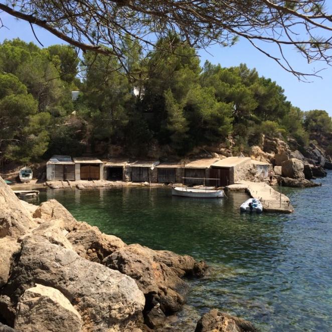 Green Lagoon (Cala Mastella)